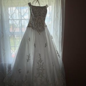Mary's Bridal formal wedding dress